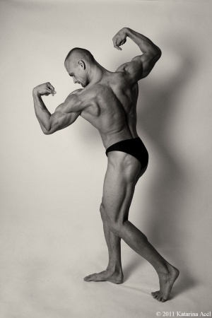 bodybuilder pose