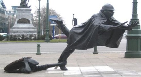 statue_tripping
